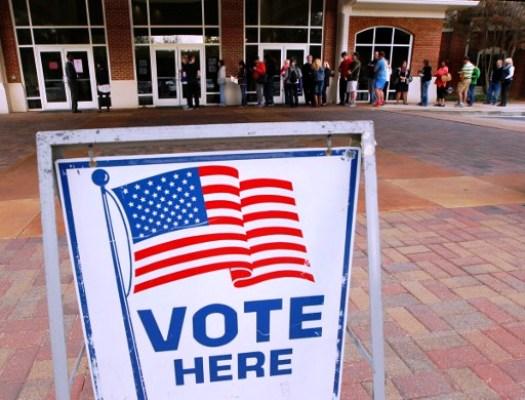مكتب اقتراع في فلوريدا