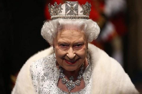 الملكة اليزابيث الثانية توجه الدعوة لترامب