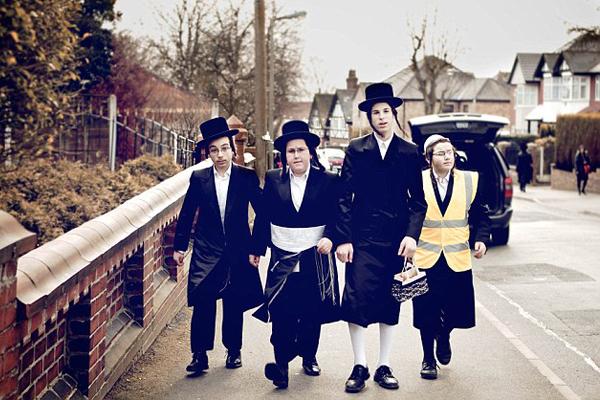 يهود بريطانيا في أحياء منعزلة ايضا