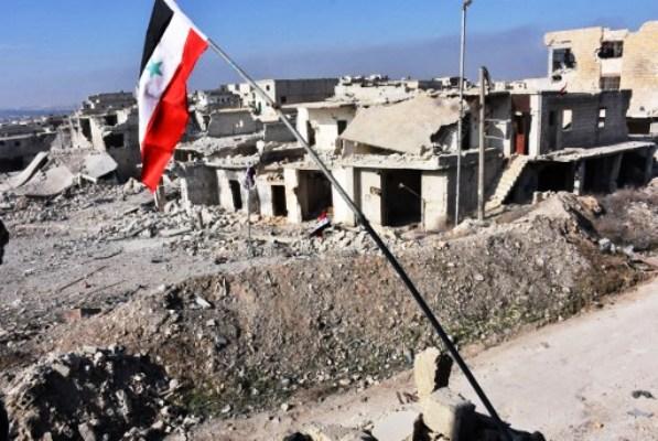 الجيش السوري يرفع علم النظام بعد استعادته لحي جديد في شرق حلب
