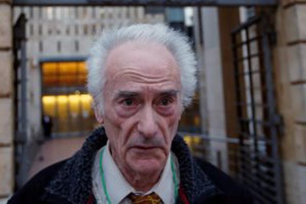 بيير لو جونيك، كهربائى مسن فرنسى عمل في منزل بيكاسو