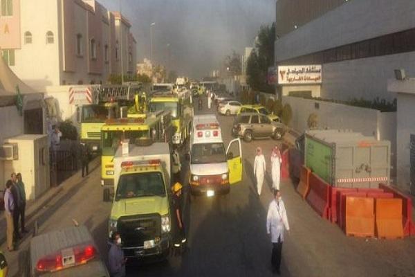 الدفاع المدني يباشر حادث احتراق كابلات كهربائية بمستشفى الحمادي