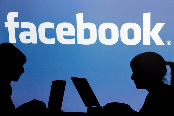 أدمغتنا مبرمجة للإدمان على فايسبوك