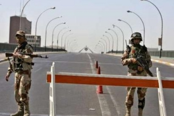 جسر الجمهورية المؤدي الى المنطقة الخضراء لدى اغلاقه