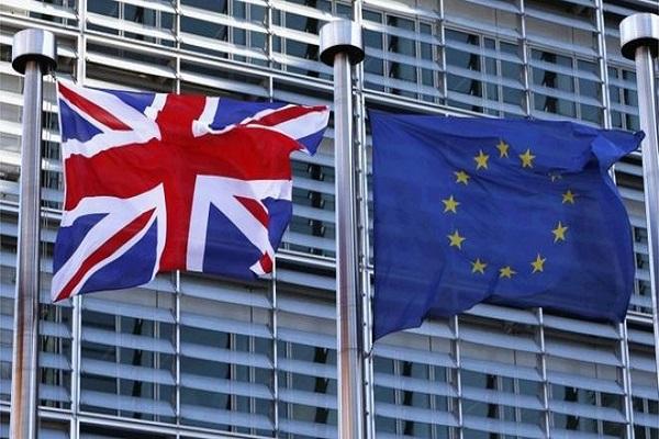 حملات متبادلة مع الخروج البريطاني من الاتحاد الأوروبي أو ضده