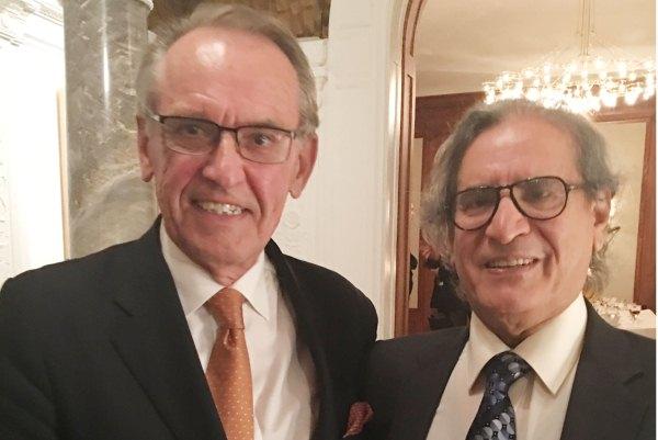المندوب الدائم لمملكة السويد في الأمم المتحدة أولوف سكوغ وناشر إيلاف عثمان العمير