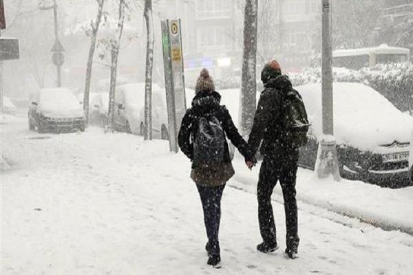 الثلوج تشل اسطنبول