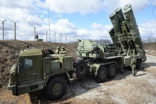 الصواريخ الروسية إس 400