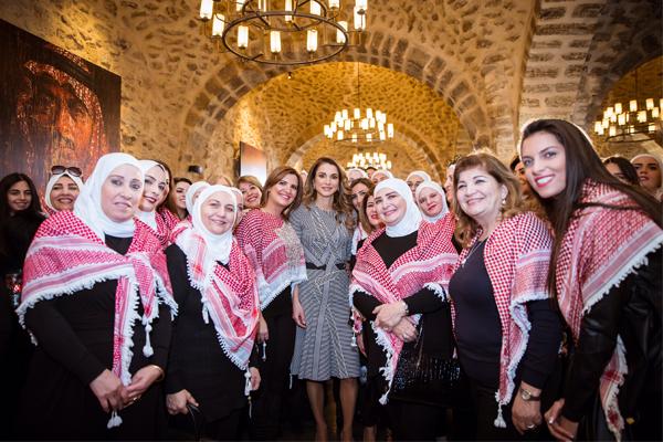 الملكة رانيا في استقبال ناشطات التواصل الاجتماعي