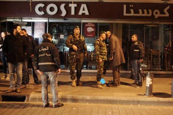 انتشار أمني عقب القبض على انتحاري في مقهى كوستا في بيروت