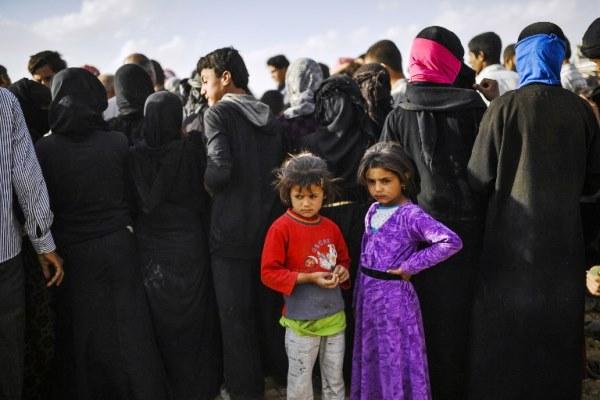 مقاتلو داعش المحليون قد يندسون بين المدنيين الهاربين لتجنب الاعتقال