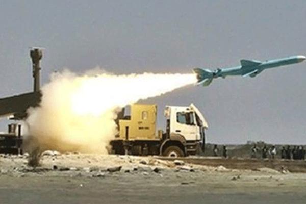 احدى التجارب الصاروخي الايرانية