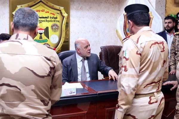 العبادي يناقش مع القادة العسكريين خطط المعارك لمواجهة داعش
