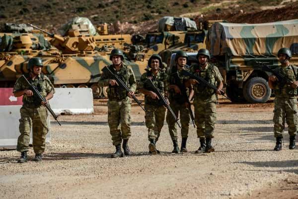 جنود أتراك في الريحانية قرب الحدود مع سوريا في 10 أكتوبر 2017