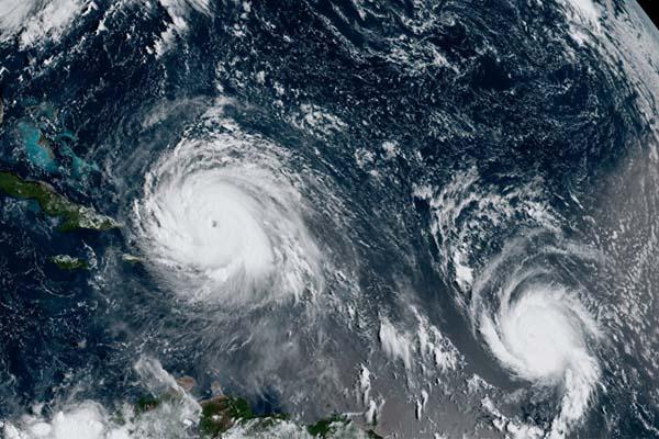 اعصار «أوفيليا» يهدد بريطانيا