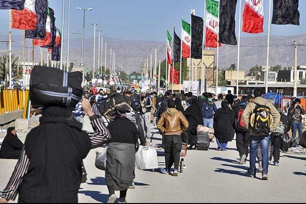 ايرانيون يعبرون الحدود العراقية للمشاركة في مراسيم أربعينية الامام الحسين بكربلاء