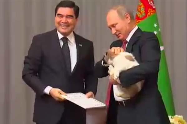 بوتين يتلقى هدية ميلاده الـ 65