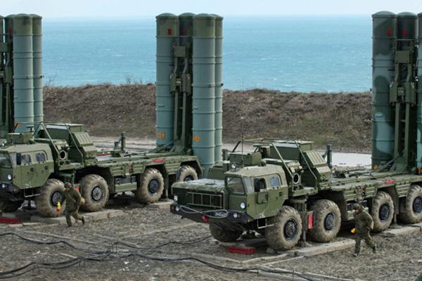 عدد من منظومة صواريخ اس 400