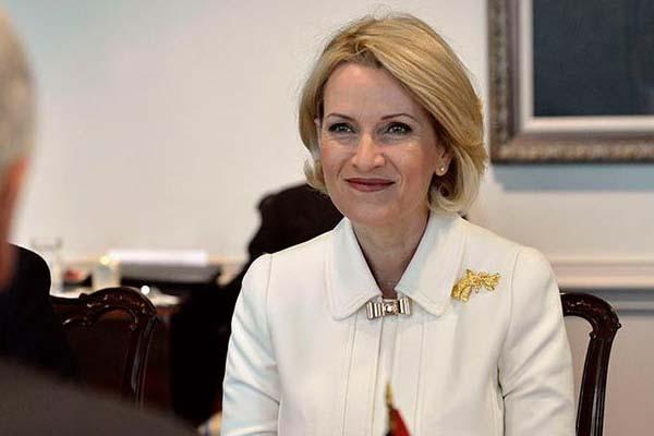 وزيرة الدفاع النروجية