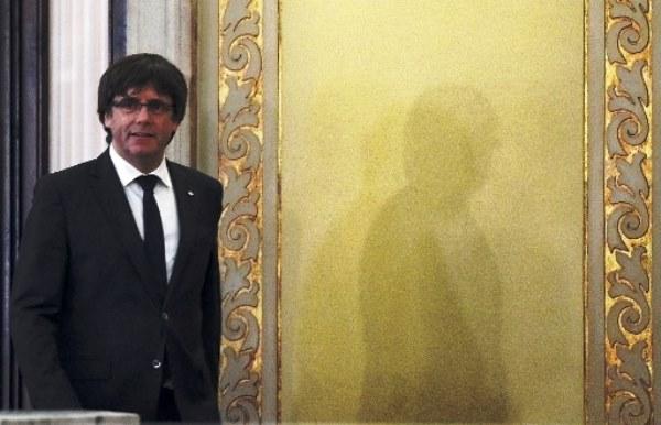 رئيس إقليم كاتالونيا كارليس بوتشيمون