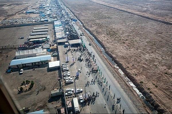 زوار ايرانيون يتوجهون الى العراق