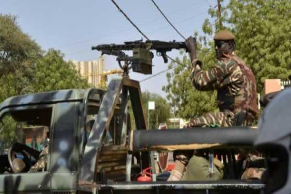 دورية للجيش النيجري في نيامي في 20 مارس 2016