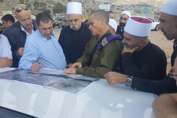 الشيخ موفق طريف مع قائد المنطقة الشمالية في هضبة الجولان