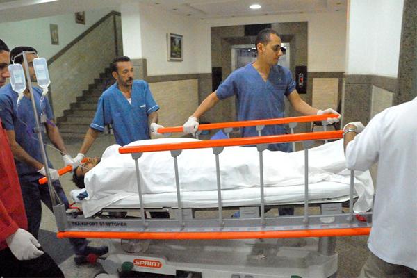 الضابط محمد الحايس بعد تحرير من الإرهابيين ونقله للمستشفى