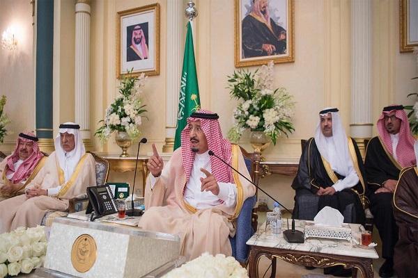 الملك سلمان بن عبد العزيز خلال تدشين عدد من المشروعات في المدينة المنورة