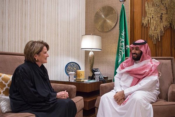 الأمير محمد بن سلمان خلال اجتماعه بالرئيس التنفيذي لشركة لوكهيد مارلين هيوسن