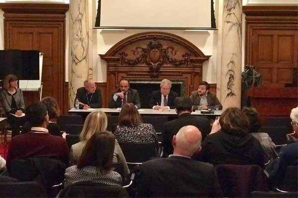 الحكومة البريطانية تدعو ممثلي الأديان الى النقاش والحوار