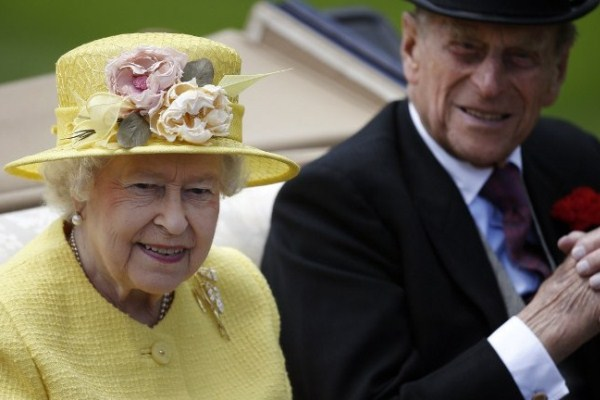 الملكة اليزابيث وزوجها الأمير فيليب