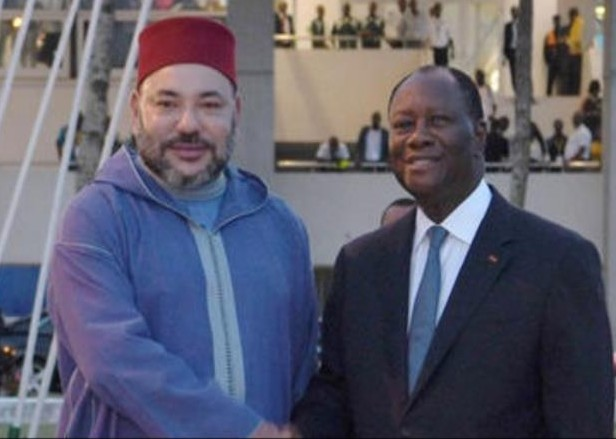 العاهل المغربي والرئيس الإيفواري في اخر زيارة له لابيدجان