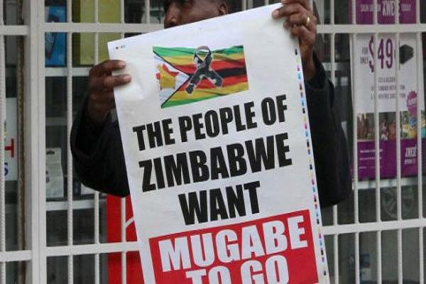 شعب زيمبابوي يريد إسقاط موغابي
