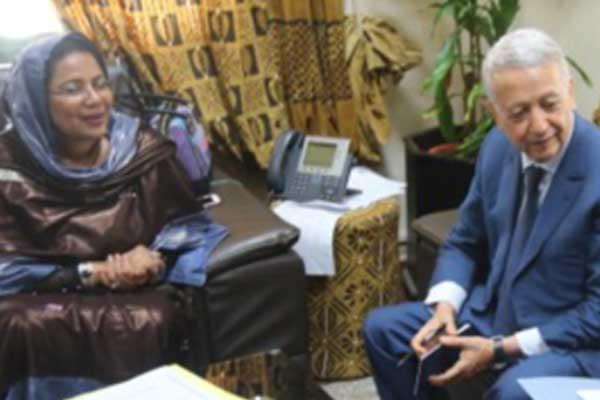 وزير السياحة والصناعة التقليدية المغربي محمد ساجد يتباحث مع وزيرة الصناعة التقليدية في مالي السبت