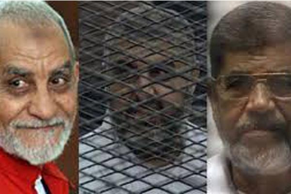 مرسي وقيادات الإخوان