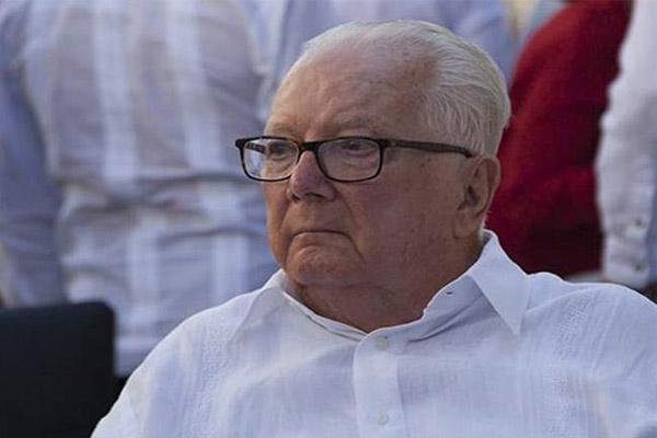 أرماندو هارت