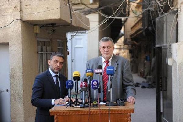 كوبيش يتحدث للصحافيين عقب اجتماعه مع السيستاني بالنجف القديمة