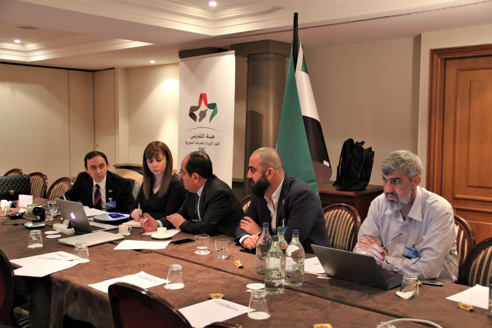 لقاء الدبلوماسيين مع أعضاء هيئة المفاوضات