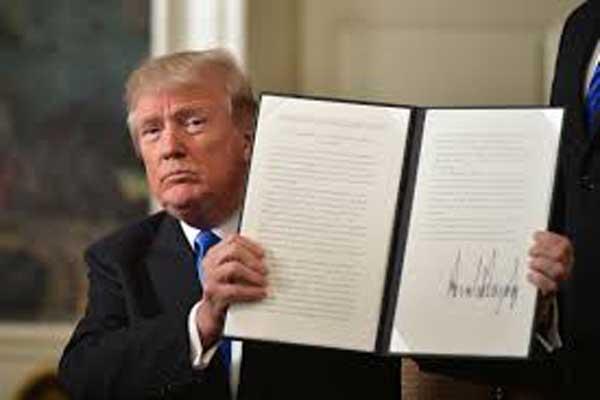 ترمب يوقع على اتفاقية نقل السفارة الأمريكية إلى القدس