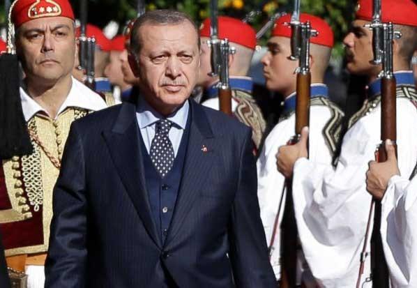 اردوغان يستعرض حرس الشرف اليوناني