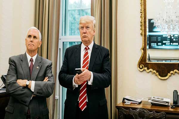 ترمب من يتحكم بالريموت كونترول في البيت الأبيض فقط