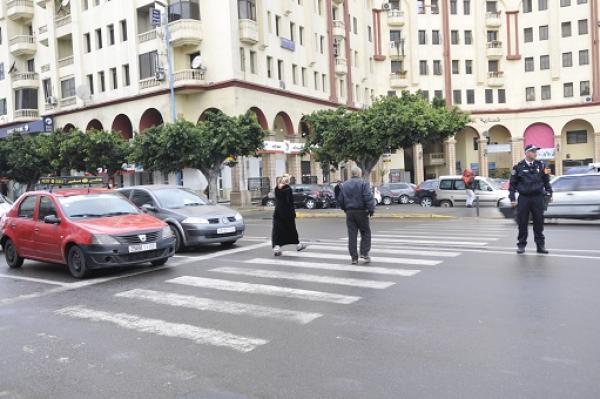 هكذا سخر المغاربة من تطبيق قانون السير الخاص بالراجلين