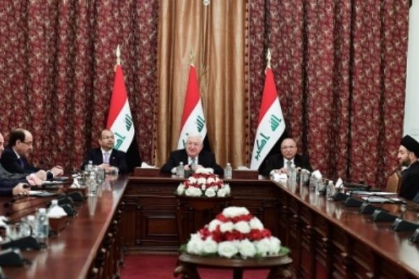الرئاسات العراقية خلال اجتماعها مع قادة القوى السياسية