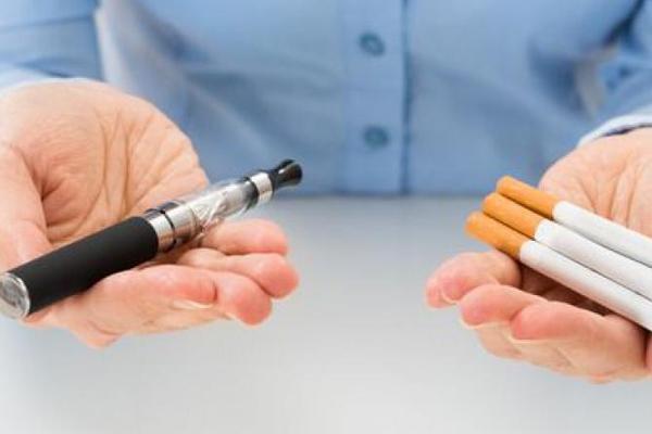 السجائر الإلكترونية تؤدي الى تدخين التبغ