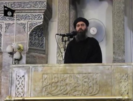 أبو بكر البغدادي يخطب الجمعة في مسجد في الموصل