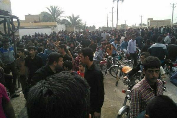 مواطنو الفلاحية في تجمع استنكاري لممارسات السلطات الايرانية