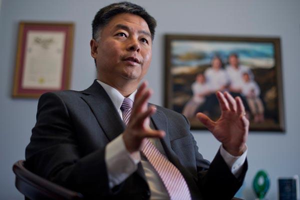 عضو الكونغرس تيد ليو