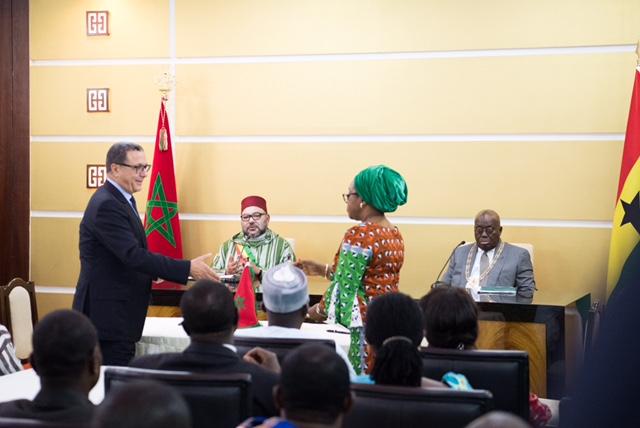 العاهل المغربي الملك محمد السادس في القصر الرئاسي بأكرا مع رئيس جمهورية غانا نانا أكوفو آدو