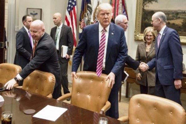 ترامب مازال غير قادر على اقناع الجمهوريين بالموافقة على مشروعه الصحي